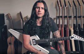 "GUS G: Εξηγεί λεπτομερώς τεχνικές παιξίματος στην κιθάρα για το τραγούδι ""Burn"" & προσφέρει κάποιες χρήσιμες συμβουλές."