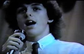 Πρίν την δημοσιότητα: Δείτε 11 videos αγαπημένων μπαντών, την εποχή που ήταν ακόμα άγνωστες στο ευρύ κοινό!
