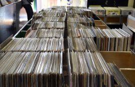 Τουλάχιστον οι μισοί αγοραστές βινυλίου δεν ακούν ποτέ τον δίσκο που αγοράζουν (σύμφωνα με ρεπορτάζ του BBC)