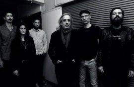 """Γιάννης Αγγελάκας στο RockOverdose:""""Η μουσική είναι περιπέτεια ζωής & αυτογνωσίας, ακόμα & αν χάνει καμιά φορά τον δρόμο της δεν τελειώνει ποτέ!"""""""