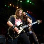 Έφυγε από τη ζωή λόγω κορονοϊού ο θρυλικός ιδρυτής-κιθαρίστας των RIOT Lou A Kouvaris.