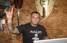Λευτέρης Μακαρώνας (Avalon Rock Bar,Χανιά) στο RockOverdose:'Υπομονή μέχρι να ξανασμίξουμε,Stay Metal!'
