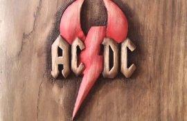 ΔΙΑΓΩΝΙΣΜΟΣ: Κερδίστε ένα ξυλόγλυπτο λογότυπο των AC/DC!